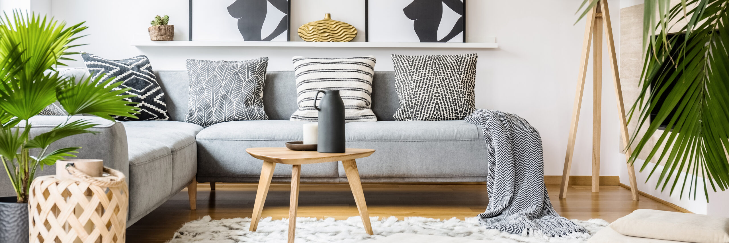 Spring Cleaning checklist - living room